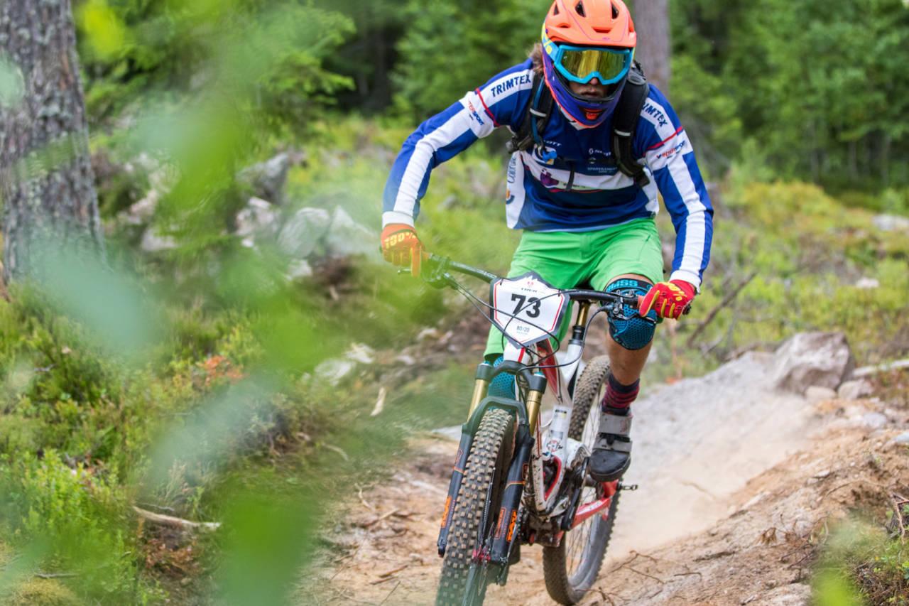 Adrian Hilde debuterte på enduro i mai, men rundbanespesialisten hevder seg helt i Norgestoppen allerede første sesong. Foto: Sylvain Cavatz
