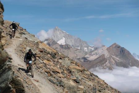 Her arrangeres siste runde i Enduro World Series 2019: Traillove i Zermatt i Sveits byr på fem bratte, lange og krevende etapper i morgen. Foto: Enduro World Series