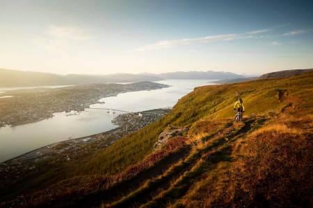 Stisykkelmiljøet i Tromsø vokser, og 23.mai inviterer NOTS nystartede lokallag til sesongkick-off med sykkelfilm og god stemning 23.mai. Foto: Kristoffer Kippernes