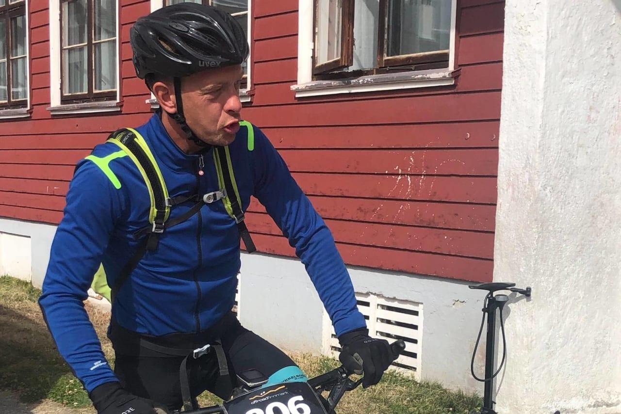 Martin Støvern på sjekkpunktet i Kautokeino tidligere i ettermiddag. Foto: Linda Treseng