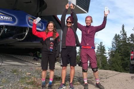 Hilde Sangesland Strædet vant Oslo Enduro foran Vera Leivsdottir og Anette Røssum Bastnes. Foto: Alice Grindheim