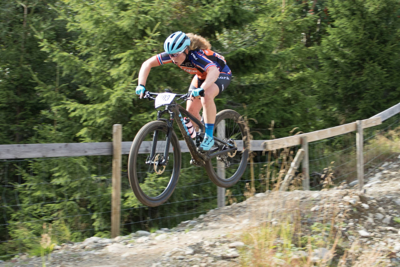Elisabeth Sveum vant overlegent på den første norgescuprunden i rundbane etter sommerferien. Foto: Bengt Ove Sannes