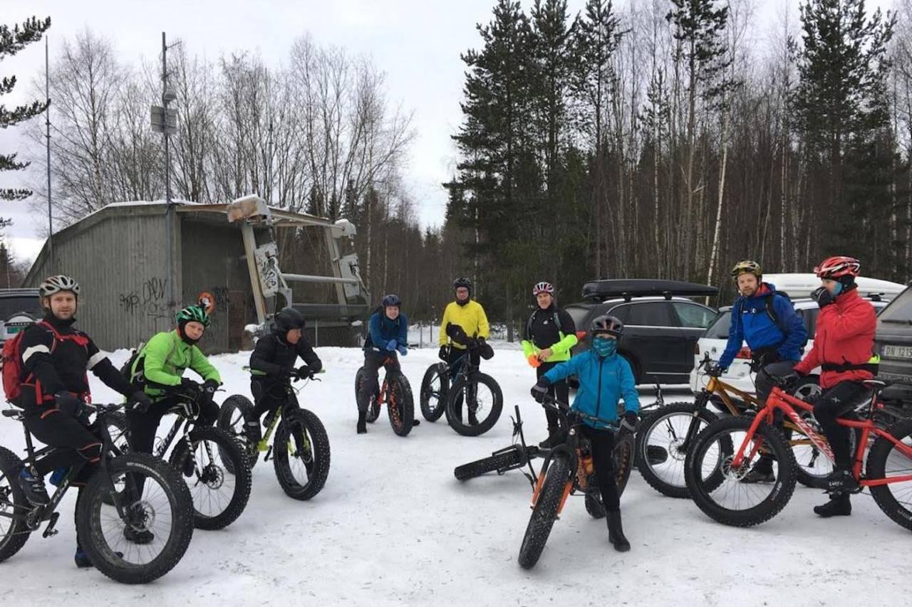 Lillehammer feiret verdens tjukksykkeldag med perfekte forhold for fellestur. Foto: Tom Ruud