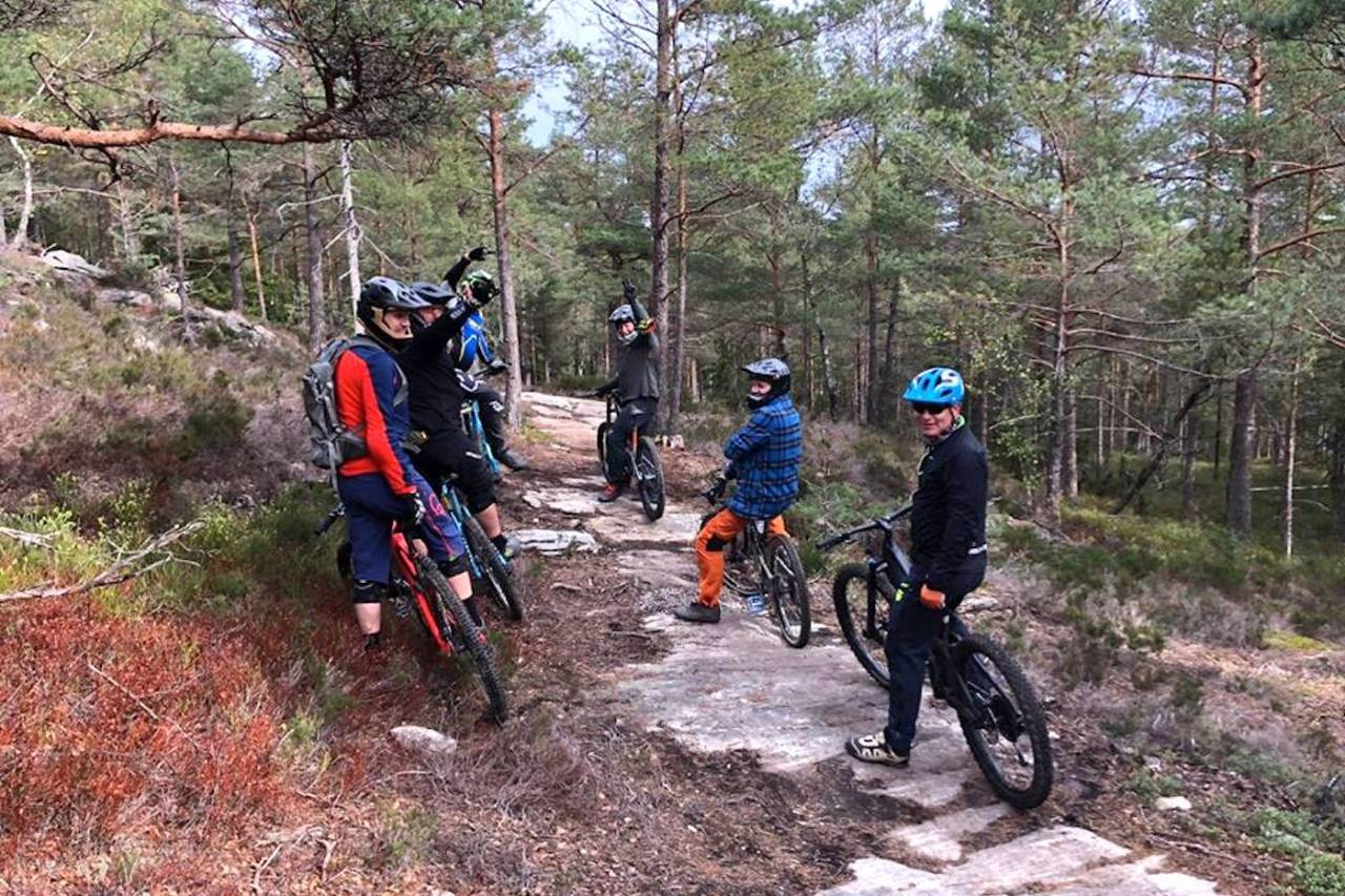 Til helga arrangeres Camp Kjerringåsen for andre gang, i år med nytt lavterskel enduroritt på programmet på søndag. Foto: Petter Wilhelmsen