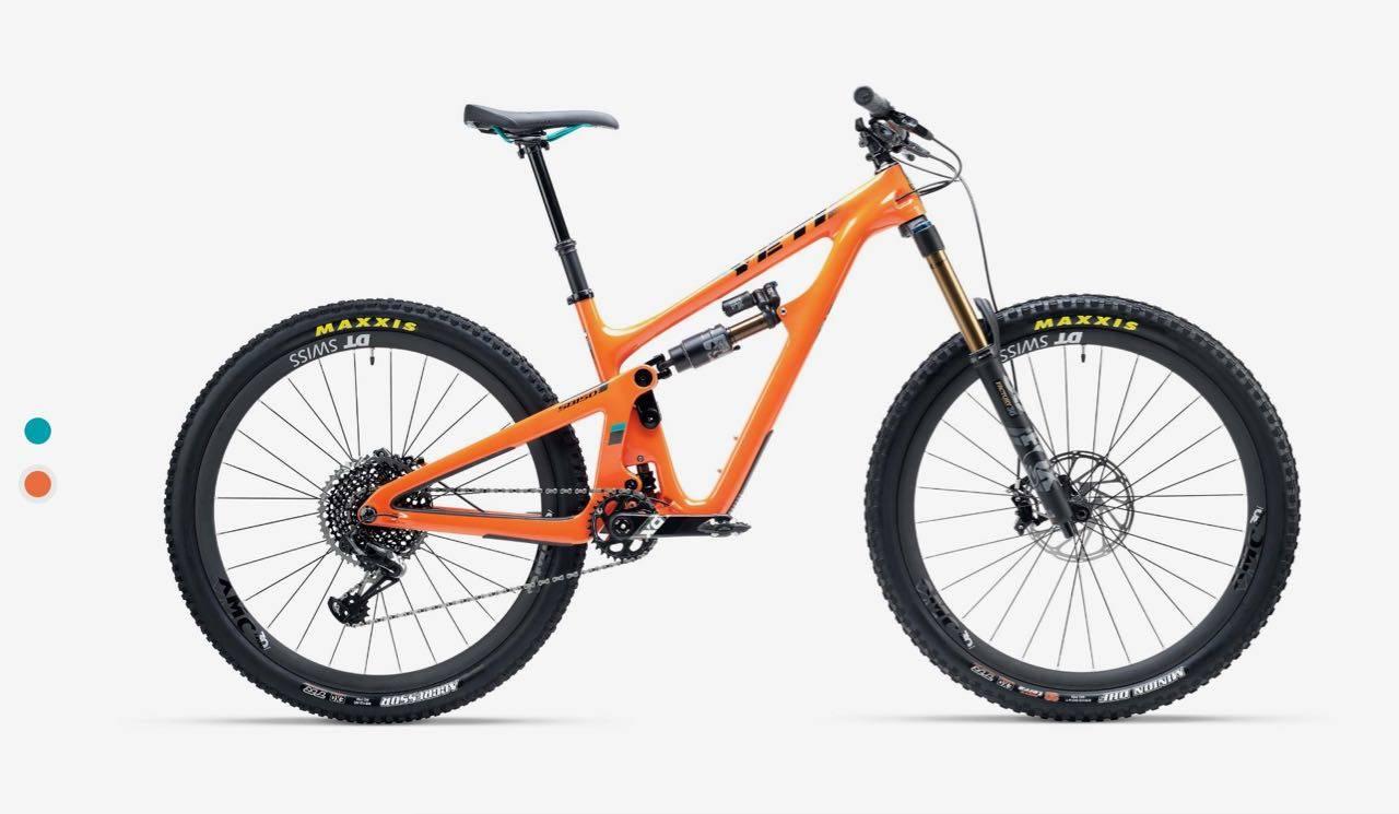 OGSÅ I ORANSJ: Yetis nye SB150 kommer selvfølgelig i turkis, men også i denne friske oransje fargen.