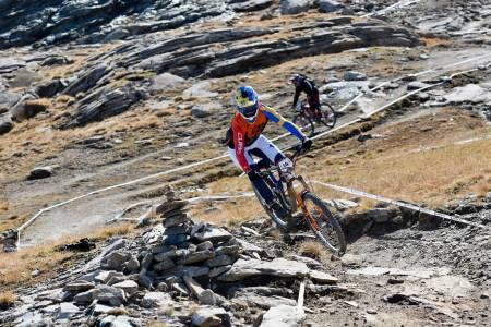 Zakarias Blom Johansen avsluttet de ordinære Enduro World Series-sesongen med å klatre inn blant de topp ti sammenlagt for sesongen etter helgas runde i Zermatt. Foto: Claus Wachsmann