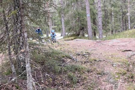 Stisykling Lathusåsen og Østernvann i Bærumsmarka