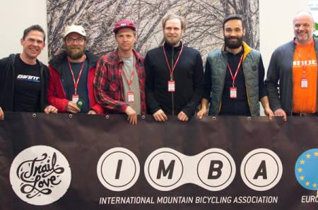 Seks nordmenn var til stedet på IMBA Europes generalforsamling i helga: (fra venstre) Rune Høydahl, Bjørn Jarle Kvande, Roald Eidsheim, Stian Bergeland, Lars Wraae Jensen og Are Sørensen. Foto: Privat
