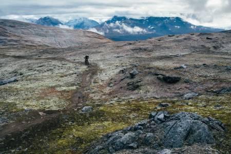 TOPP TUR: Bønntuva uten for Tromsøæ er et populært turmål både for gående og syklende. Foto: Sjur Melsås