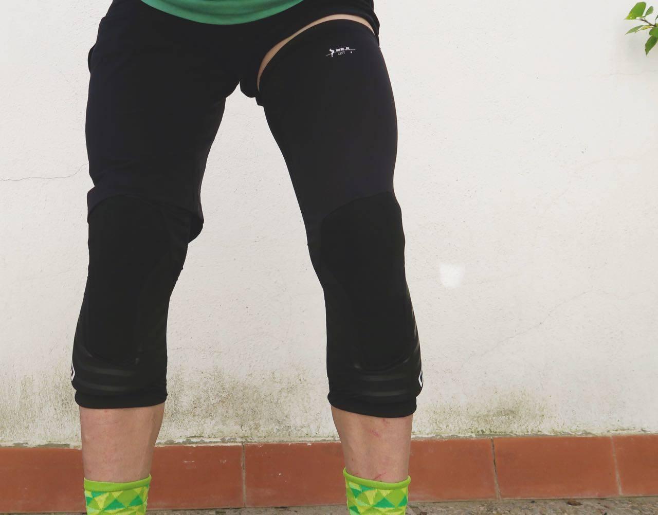 LANGE STRØMPER: Ion K-Sleeve er knevarmere med noe ekstra polstring. Fint med beskytter nedover leggen, men tynt over kneet.