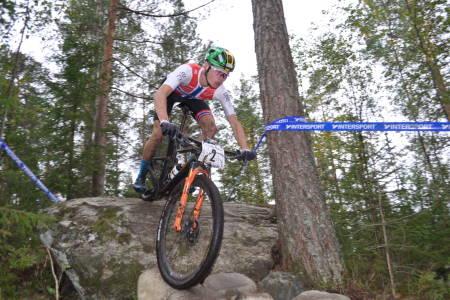 Erik Hægstad vant siste rundbaneritt i Norgescupen med nesten ett minutt, og det var i menn senior at avstanden mellom rytterne på pallen var minst. Foto: Vegard Utne