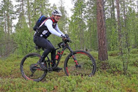 Leif Arne Bongo (54) drømte om å bli første rytter til å sykle alle tre distansene i Offroad Finnmark