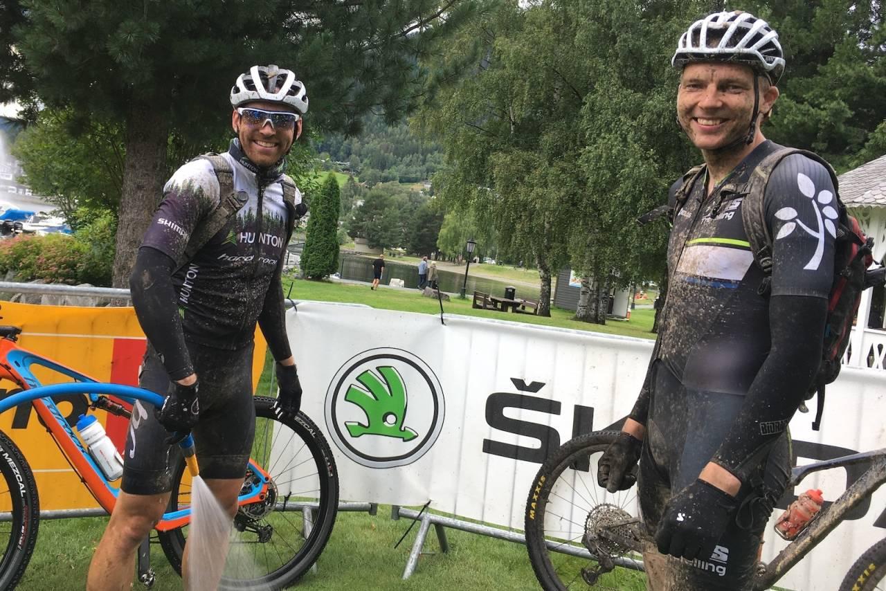Vidar Mehl (til venstre) og Martin Røste Omdahl vant lagkonkurransen i Offroad Valdres Helvegs