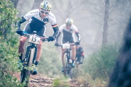 VINN GRATISPLASS: Andalucia Bike Race utfordrer potensielle deltagere til å delta på årets første etappe. De raskeste vinner gratisplass i 2017.