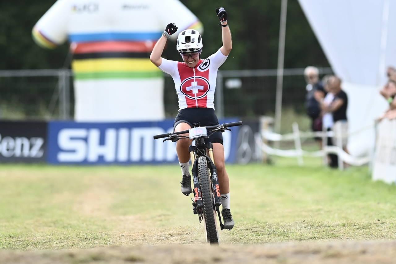 Nicole Goeldi fra Sveits vant kvinnenes elsykkelritt i VM 2021