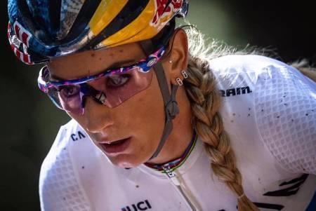 Pauline Ferrand-Prevot vant kortbanerittet under verdenscupen på hjemmebane i Les Gets
