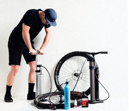 test sykkelpumpe kompressorpumpe slangeløst oppsett