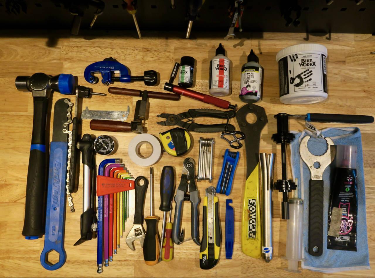 Samling av sykkelverktøy