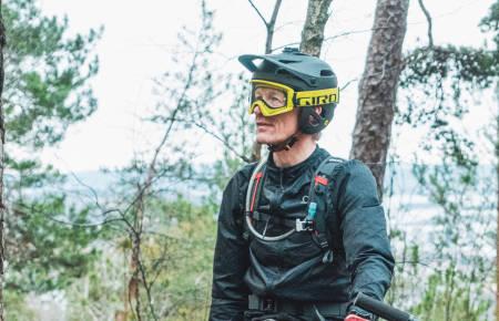 Stisykler med Giro Tyrant MIPS