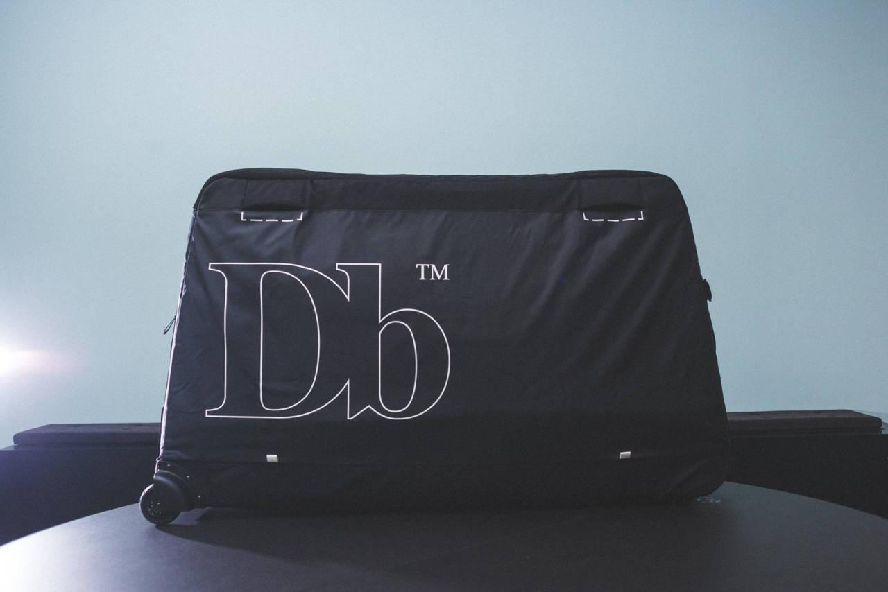 BUNNSOLID: Douchebags koffert beskytter sykkelen veldig godt, samtidig som den har mange smarte detaljer og funksjoner