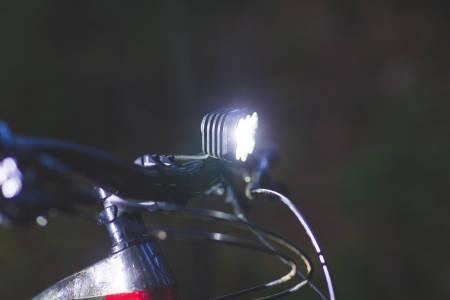 DYR KVALITET: Lupines topmodell, Alpha har kraftig metallhus, solid styreklemme og lysstyrke som overgår det meste.