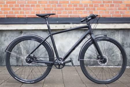 PLANETPATRULJEN: Focus sin pendlesykkel har funksjonelle løsninger og et stilig utseende.
