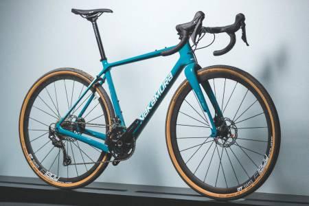 KARBONRACER: Nakamura Pursuit X60 er lett og kvikk. Ramma er lav i front og geometrien oppfordrer til sportslig sykling. Sykkelen er litt liten i størrelsen så prøv før du kjøper.