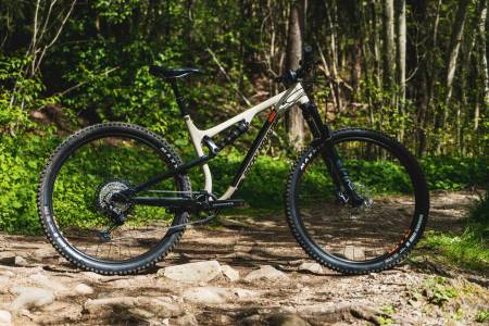Test av Rocky Mountain Instinct Alloy 50