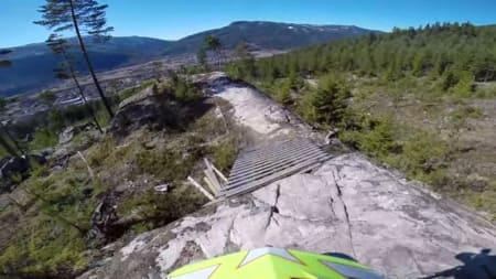 Styggfort:Brage Vestavik er en av de raskeste på utforsykkel i Norge, og terper teknikken i Nesbyen