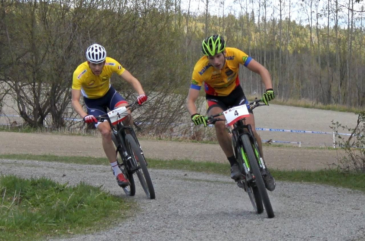 Ola Kjøren måtte se Emil Linde (til høyre) ta andre stikk i Norgescupen, etter at de tok kjempet nebb og klør til nest siste runde. Foto: Brynjar Åmot/NCF