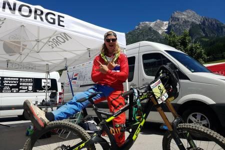 Brage Vestavik kom på sjuendeplass på sesongens tredje verdenscuprunde i utfor, som gikk i Leogang i Østerrike på søndag. Foto: NCF