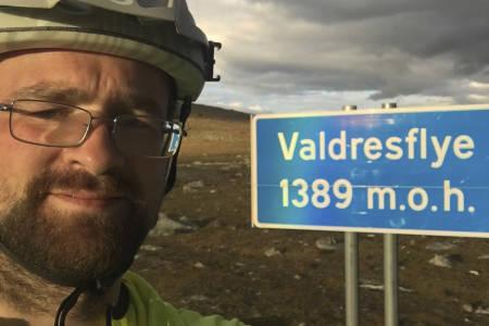 Christian Jensen (35) ble valgt til ny leder i NOTS på årsmøtet onsdag kveld, og vil jobbe for at terrengsyklisten også i framtida skal ha tilgang til skogen og naturperlene. Foto: Are Opstad Sæbø