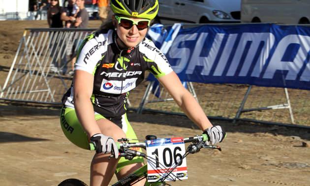DRØMMESTART: Elisabeth drømte om en plass på pallen. Hun holdt seg i front hele løpet, og endte som vinner. Foto: www.elisabethsveum.no