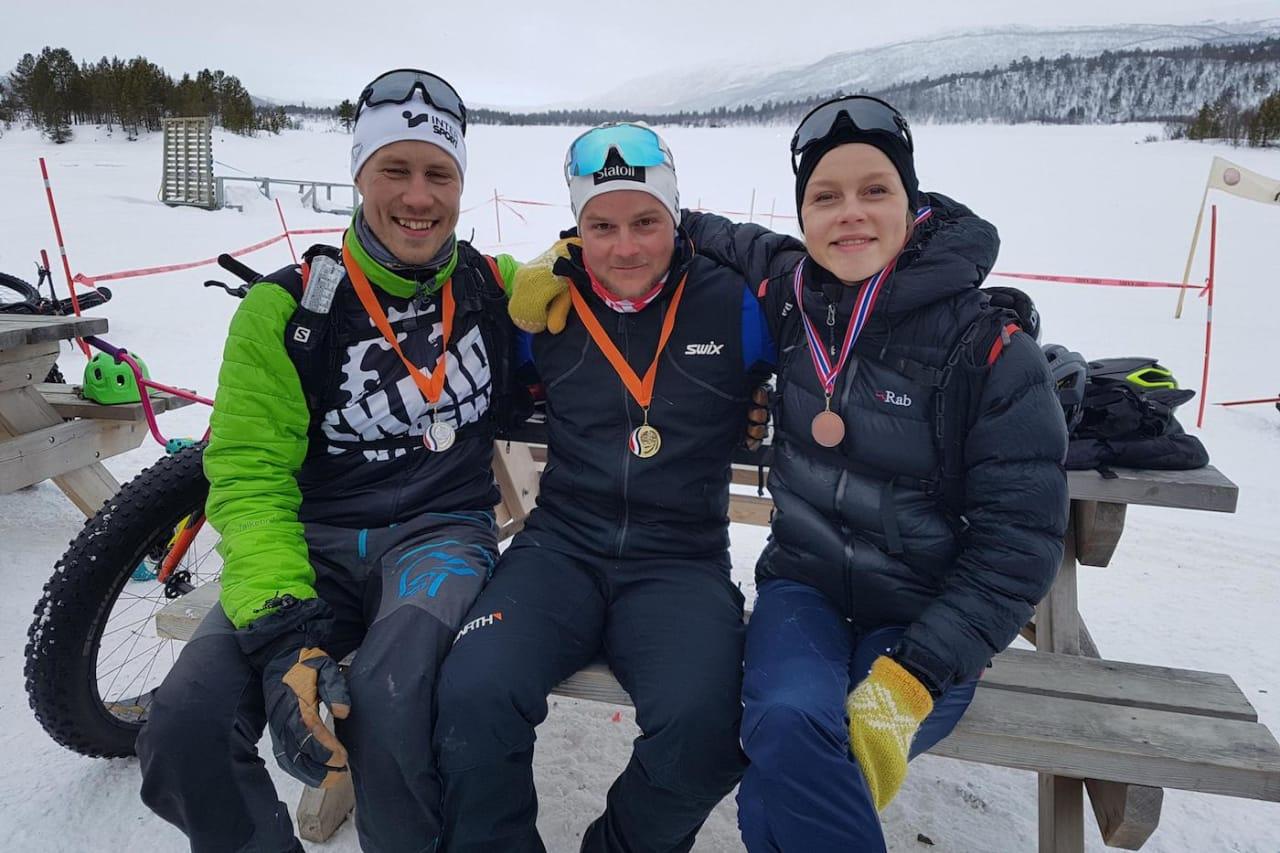 Tor-Espen Jolma vant Gagga fatbike på påskeaften, og fikk revansj på Bjørnar Aronsen, som slo ham på målstreken for ei uke siden. Rakel Birkeli var raskeste dame. Foto: Arrangøren