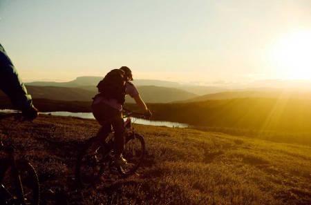 Hallingdal skal løftes til en tipp-topp destinasjon for terrengsyklister. Til det kreves et helproft trail crew. Foto: Ål Utvikling/Vegard Breie