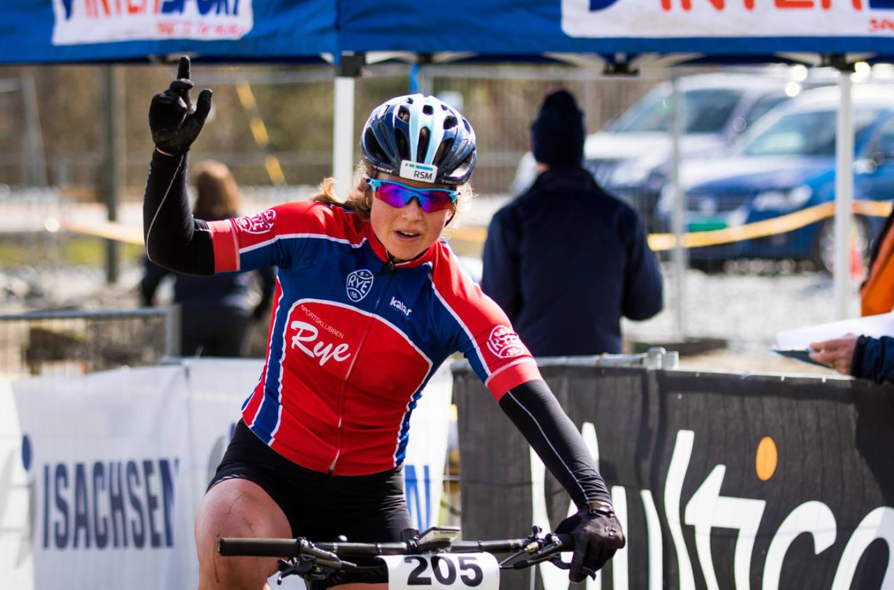 Elisabeth Sveum tok seieren på tredje runde i Norgescup rundbane. Foto: Snorre Veggan