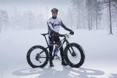 VINNERSYKKELEN: Odd Erlend Hansen Berg og hans vinnersykkel fra Nakamura. (foto: Kristoffer H. Kippernes)