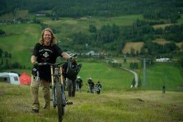 KLAR FOR AMERIKA: Makken Haugen er invitert til RedBull rampage, som er sykkelsportens råeste freeridekonkurranse. Foto: Vegard Breie