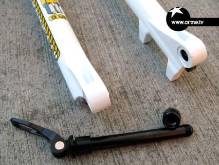 Nyhet: Marzocchi tilbyr nå 15mm gjennomgående aksel til stisyklistene.