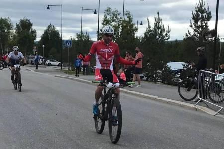 Vidar Mehl spurtslo Tor-Halvor Bjørnstad Tuveng på dagens etappe i Trans-Østerdalen, men leder nå sammenlagt med over fire minutter. Foto: Privat