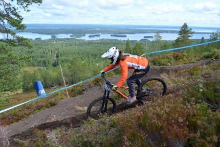 Vera Leivsdottir vant finalerunden i Scandinavian Downhill Cup, som gikk i Gesunda i helga, så vel som cupen sammenlagt. Foto: Anki Eriksson