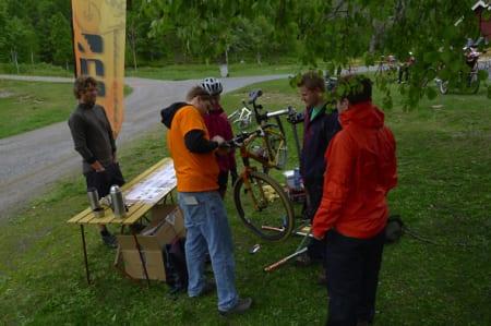 INFO-STAND: NOTS sprer det glade terrengsykkelbudskapt på Kikut 14. august. Foto: Harald Wisløff