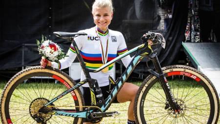 SUPERSTJERNE I KONFLIKT: Jenny Rissveds dropper årets VM på grunn av sponsorkonflikt med det Svenska Cykelforbundet. Foto: Scott/Jochen Haar