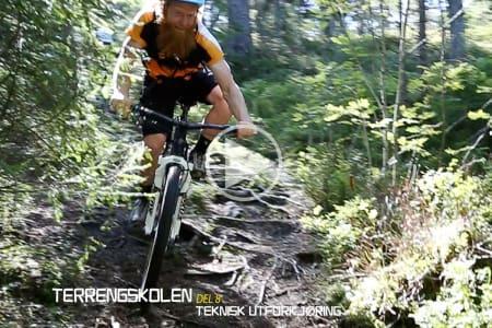 SYKKELEN GJØR JOBBEN: Lettere sagt enn gjort; men prøv å slappe av og la sykkelen løpe i terrenget. Bilde: Christian Nerdrum