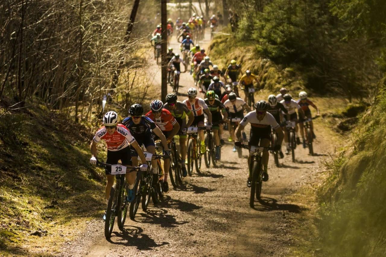 Tobias Johannessen (25) tok sammenlagtseieren i storfint selskap på UCI-etapperittet i helga. Foto: Snorre Veggan
