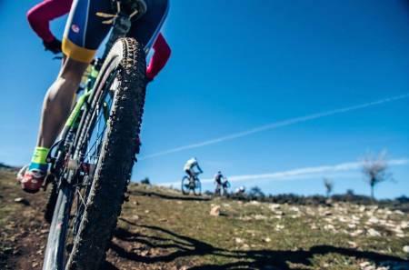 RÅTT: Andalucia Bike Race byr på ville utforkjøringer og rå natur, melder årets deltakere. Foto: Arrangøren