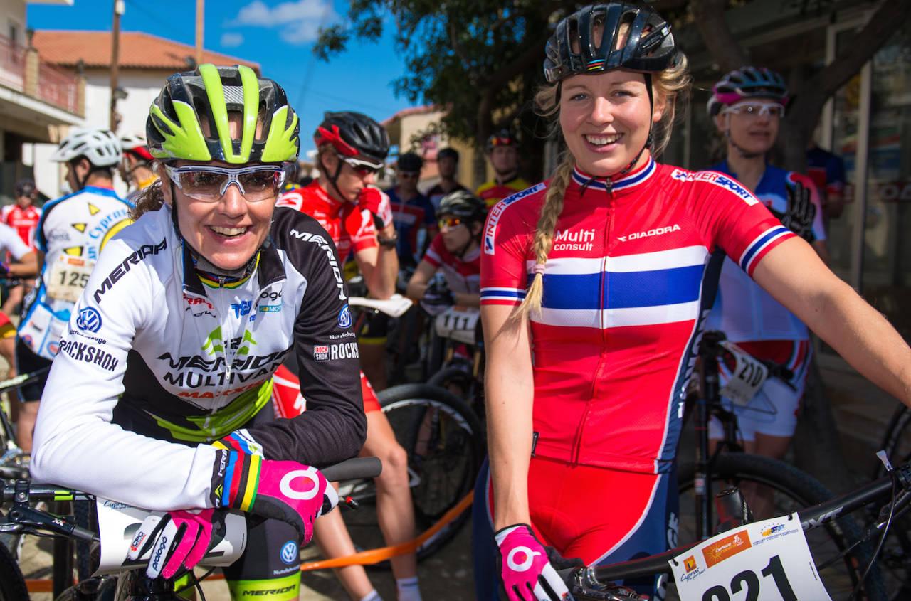 Gunn-Rita Dahle Flesjå og Ingrid Sofie Bøe Jacobsen ble beste norske i EM 2015 med henholdsvis sjetteplass i rundbane og fjerdeplass i sprint. Foto: NCF/Kuestenbrueck