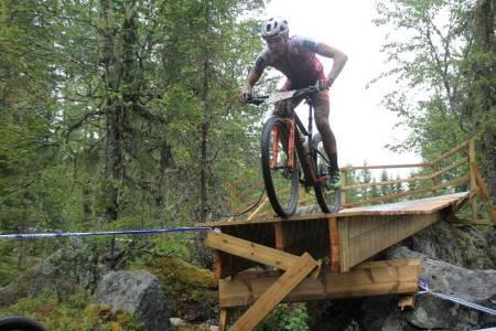 Regjerende norgesmester i rundbane Petter Fagerhaug under Norgescuprittet på Lillehammer i august. Til helga skal han forsvare trøya på hjemmebane. Foto: Guro Øverbye