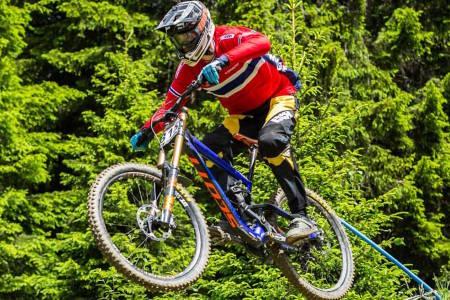 Simen Smestad ble beste norske i utfor-VM, med 16.plass i menn junior. Foto: NCF