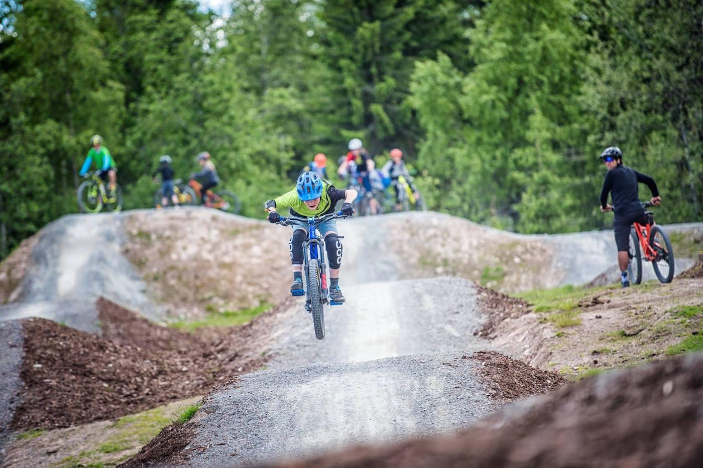 Det ble syklet mye i Trysil under ungdomscampen. Foto: Terrengsykkel Ungdomscamp